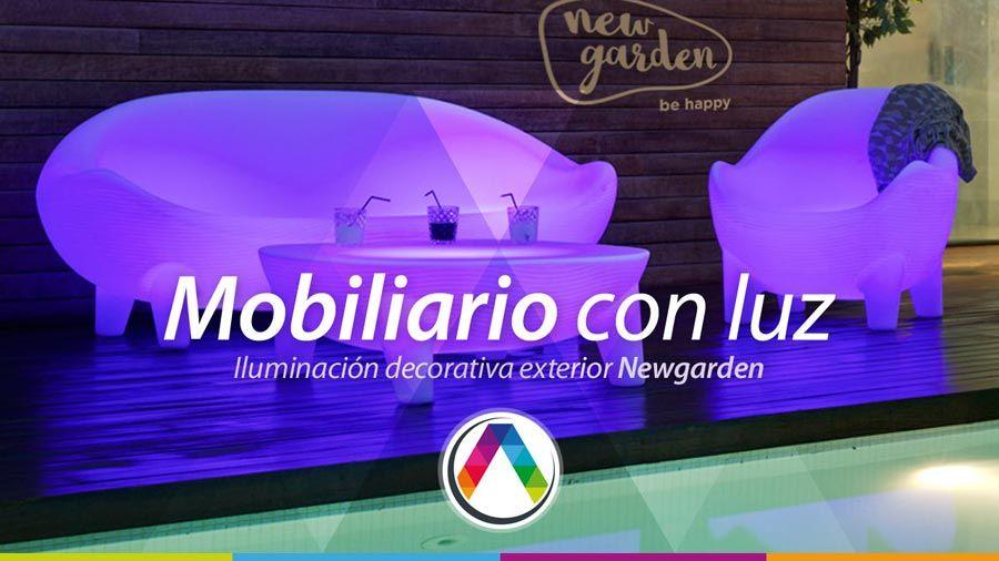 Pon en tu jardín muebles con luz integrada LED