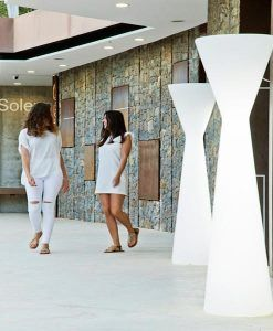 Lámpara pie de 170 cm altura KONIKA